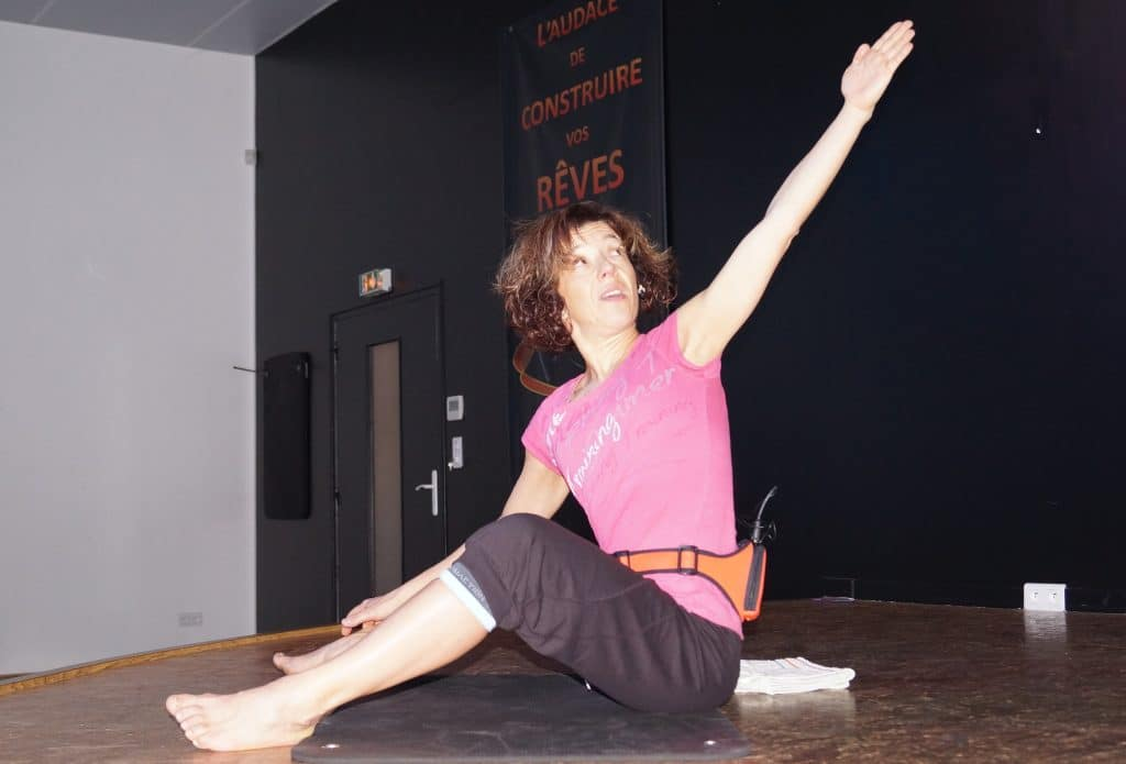 Ma reconversion dans le sport et le fitness : animation d'un cours collectif de bodybalance, mélange de Pilates et Yoga.