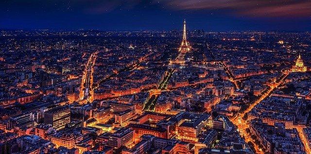 Vingt années à Paris avant de faire ma reconversion dans le sport et le fitness.